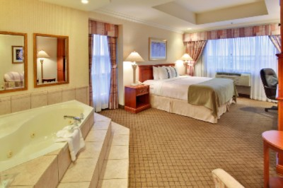 Relax And Unwind In Our King Jacuzzi Suites 6 of 16