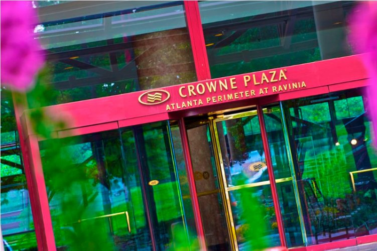 Crowne Plaza Atlanta Perimeter at Ravinia 1 of 27