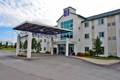 Motel 6 Whitby 1 of 8