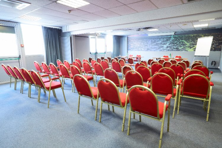 Meeting Rooms 6 of 7