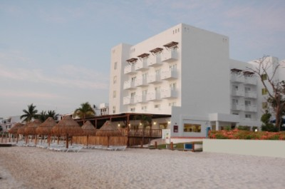 Holiday Inn Cancun Arenas 1 of 10