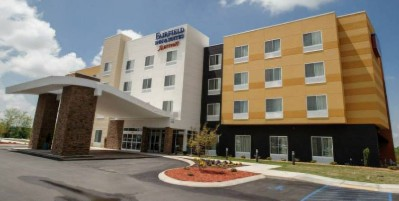 Fairfield Inn & Suites 1 of 9