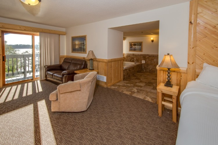 Shoreline Suites With Full Kitchen Fireplace & Balcony Overlooking Lake 6 of 23
