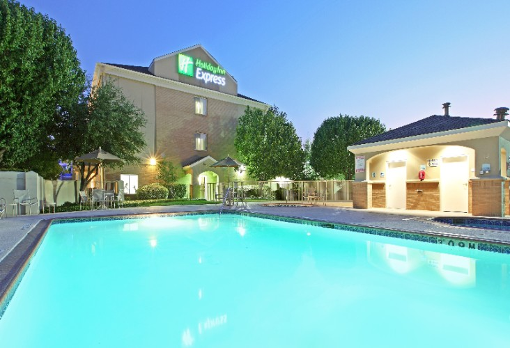 Holiday Inn Express 174 Amp Suites Dfw Grapevine Grapevine Tx