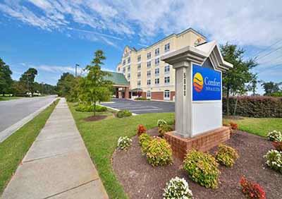 Comfort Inn & Suites Virginia Beach Norfolk 1 of 19