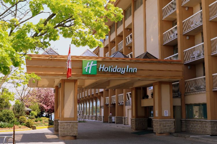 Holiday Inn Kingston Waterfront 1 of 14