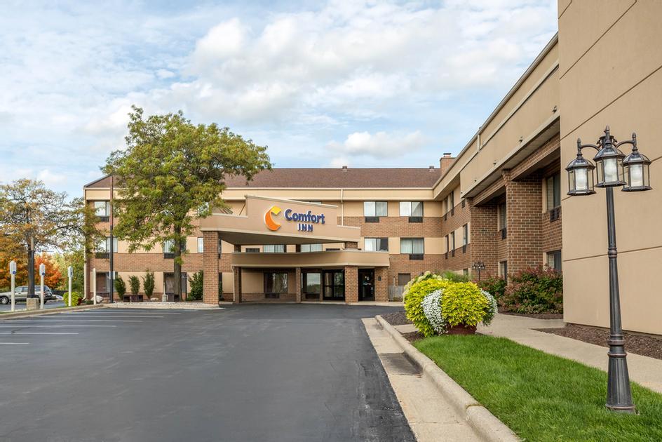 Comfort Inn Airport 1 Of 13; Grand Rapids ...