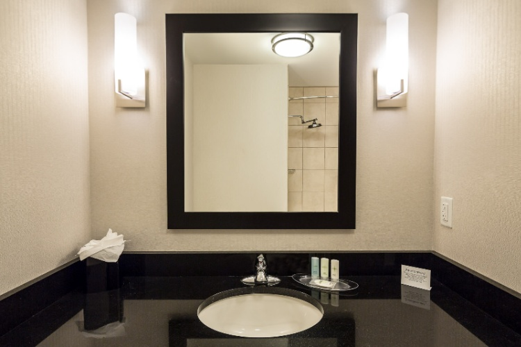 Pamper Yourself In This Gorgeous Spacious Penthouse Restroom. 20 of 20