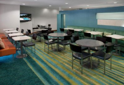 Ample Space To Enjoy Complimentary Hot Breakfast Buffet 4 of 13