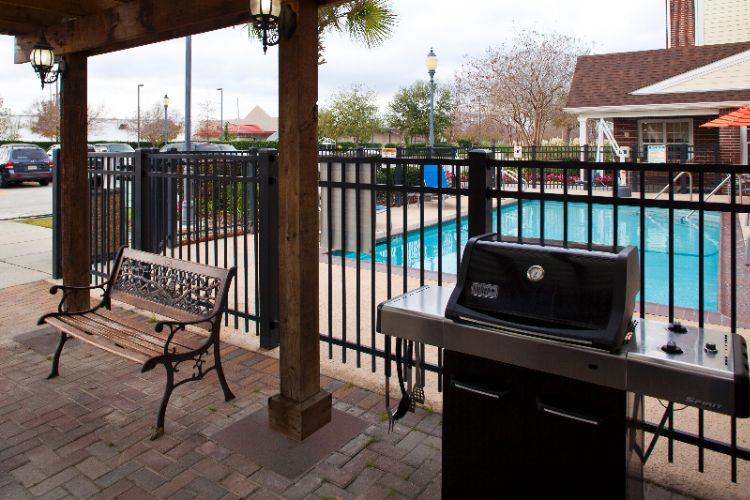 Grill Area 23 of 23