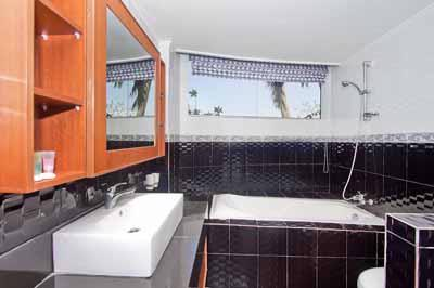 Premium Apartment Bathroom Luxury 11 of 31