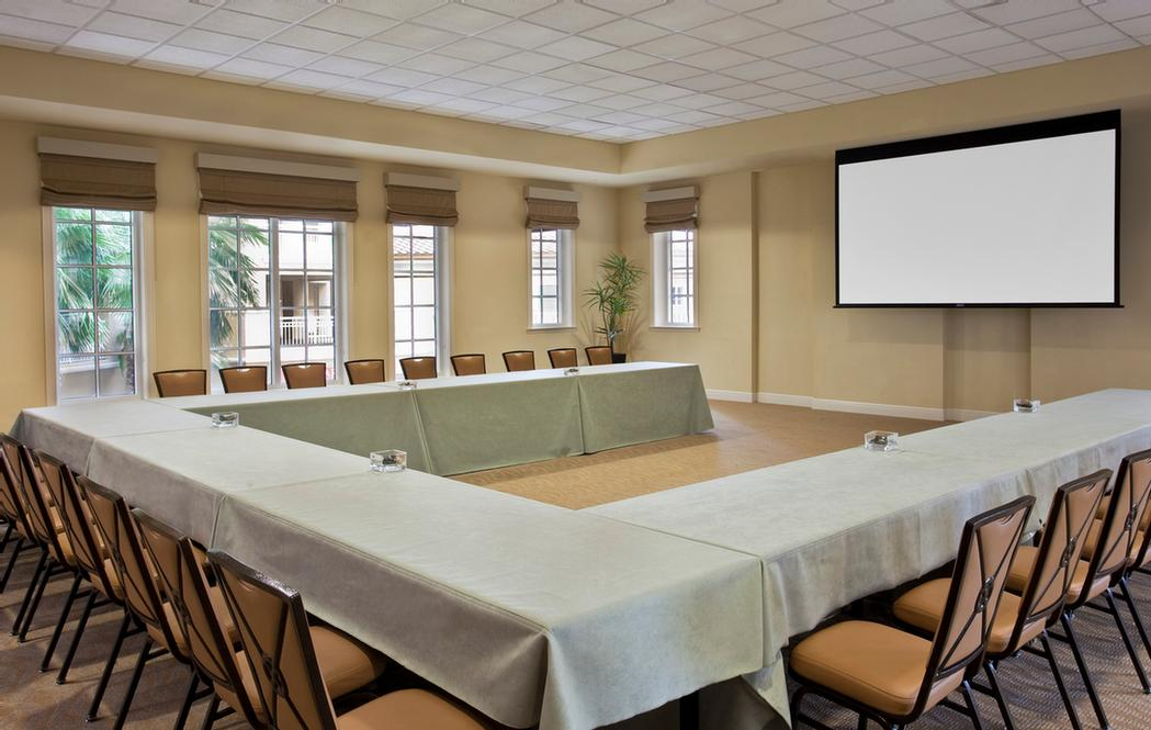 Calusa Conference Room 25 of 26