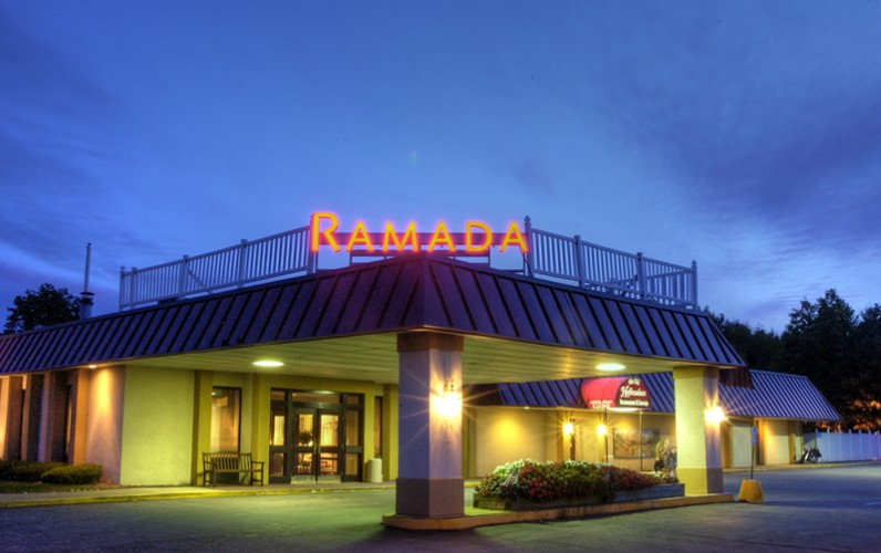 Ramada Queensbury Lake George 1 of 15