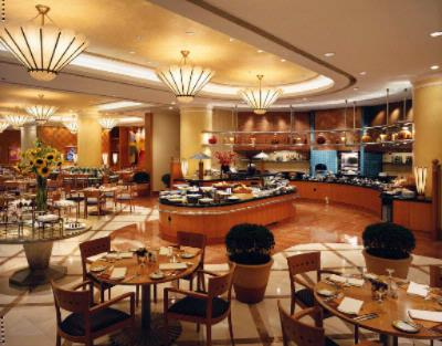 Located At Lobby Level With A View Of The Passers-By On Busy Weihai Road The Informal Café Studio Serves A Blend Of Italian And Asian Cuisine. A Daily Buffet Showcases A Diversity Of Dishes For Breakfast Lunch And Dinner And Brunch Is Offered On 3 of 3