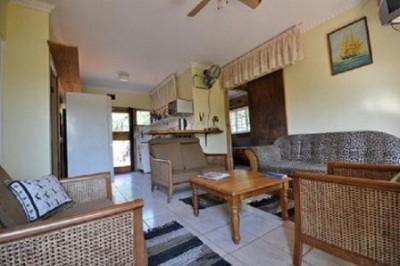 3 Bedroom Cottage Lounge/kitchen 4 of 17