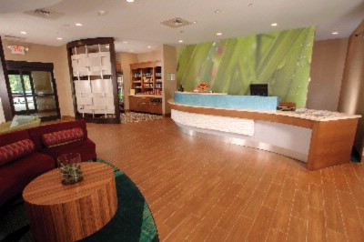 Front Desk And Lobby 9 of 12
