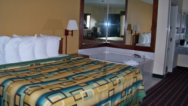 King Spa Room 10 of 11
