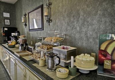 Breakfast Bar 4 of 8