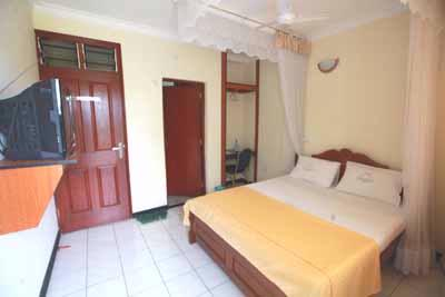 Double Room 8 of 16