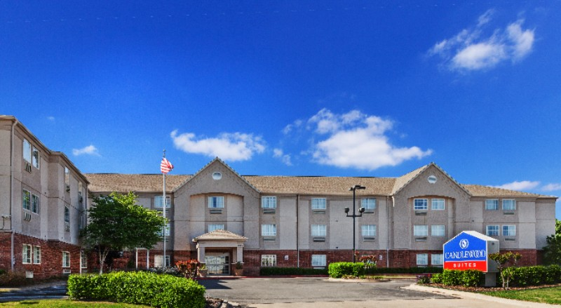 Candlewood Suites Tulsa 1 of 18