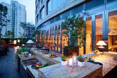 Andaz Shanghai Garden Barbeque 6 of 13