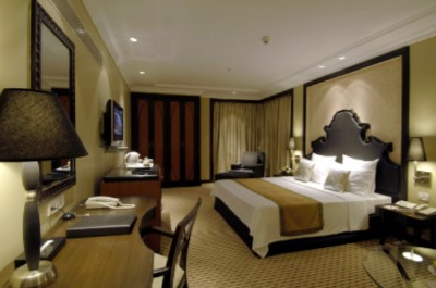 Executive Room 4 of 13