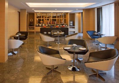 Business Lounge 7 of 16