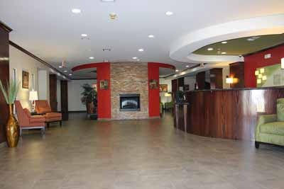At The End Of A Long Day Enjoy The Comfortable And Friendly Atmosphere Found In Our Newly-Renovated Lobby. 3 of 17