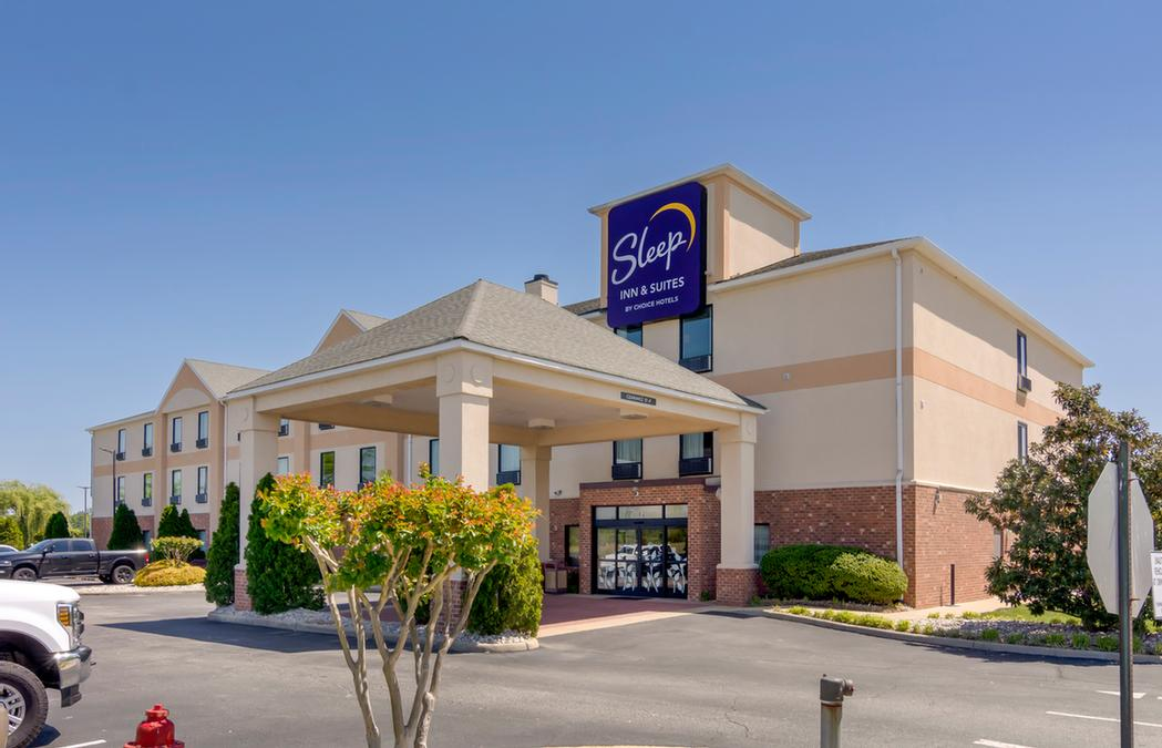 Sleep Inn & Suites 1 of 4