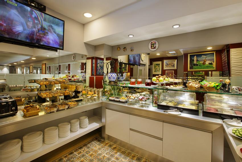 Open Buffet Breakfast Is Included In All Rates. 11 of 31