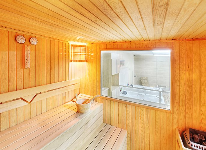 Free Of Charge Usage Of Sauna And Jacuzzis 9 of 31
