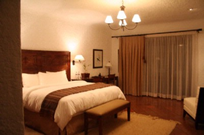 Superior King Guestroom 3 of 7