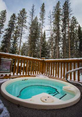 Outdoor Hot-Tub 7 of 12