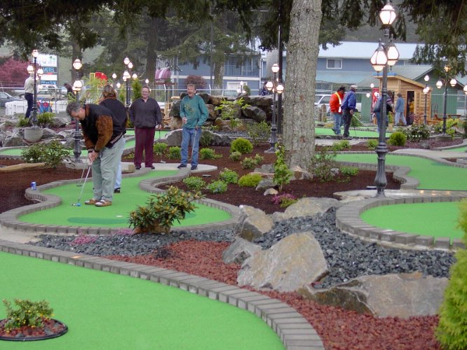 Mini Golf Course On Site 5 of 30