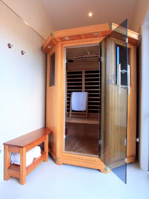 In-House Infrared Sauna 7 of 15