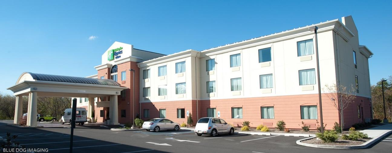 Holiday Inn Express Suites Selinsgrove Pa 651 North Susquehanna Trail 17870