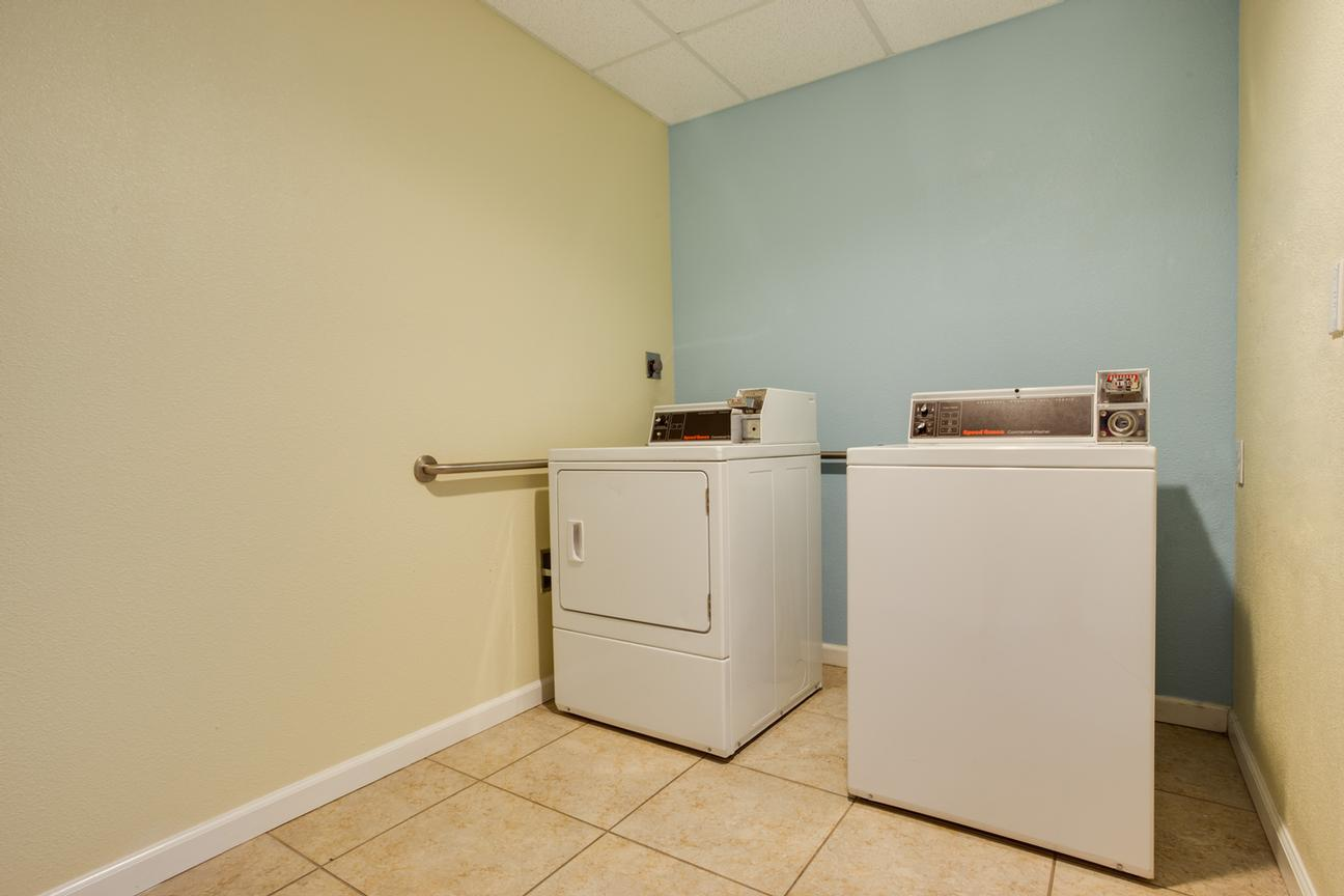Washer And Dryer For Guest Use (On Site) 11 of 19