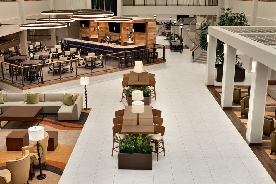 Embassy Suites By Hilton Milwaukee Brookfield 6 of 11