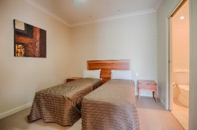 Vine Court Deluxe Two Bedroom Self Contained Apartment 2nd Bedroom 18 of 31