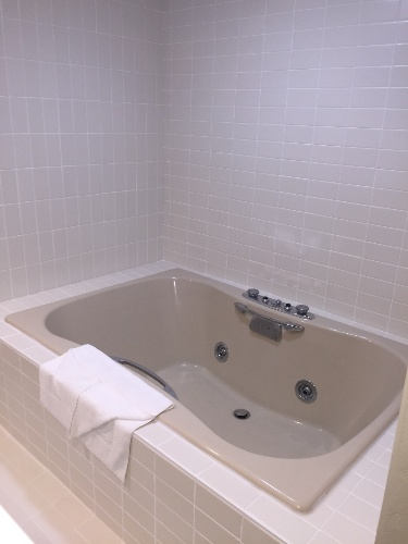 King Suite 2 Person Whirlpool 13 of 13