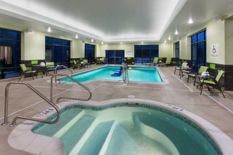 Indoor Pool And Whirlpool 9 of 11