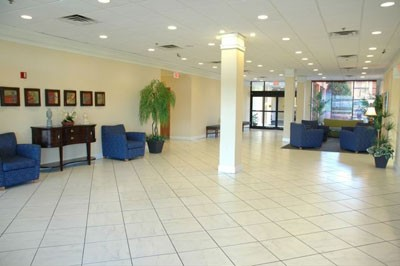 Full Size Lobby With Flat Screen Tv/ Wifi 5 of 12