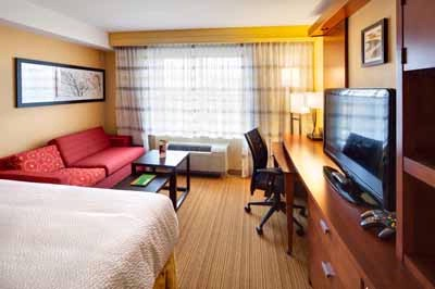 Comfort And Style Await You In Our New King Guest Rooms. With A Work Desk Ergonomic Chair High-Speed Internet Access And Mini-Fridge Our Guests Have All The Comfort A Busy Traveler Needs. 10 of 19