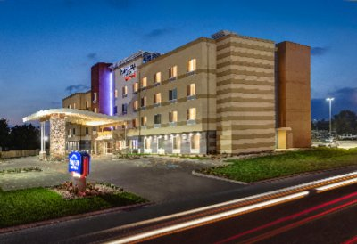 Fairfield Inn Wentzville Mo 1 of 4