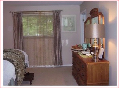 Niagara Private Suite 1 Upper Canada Master Queen Suite 8 of 28