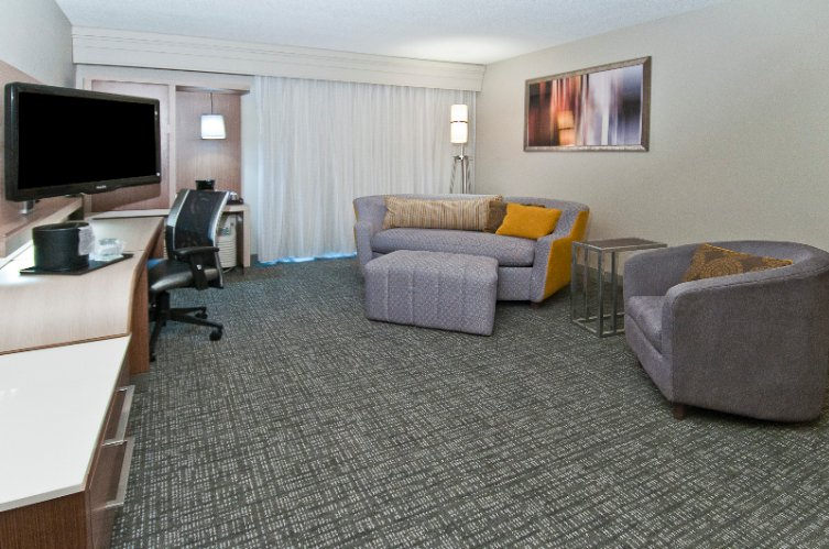 Image of Courtyard by Marriott Lenox Park
