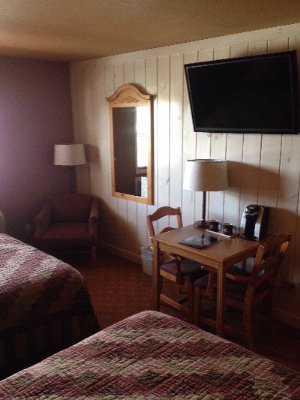 Double Queen Room -Blue Ridge Ga Lodging 4 of 13