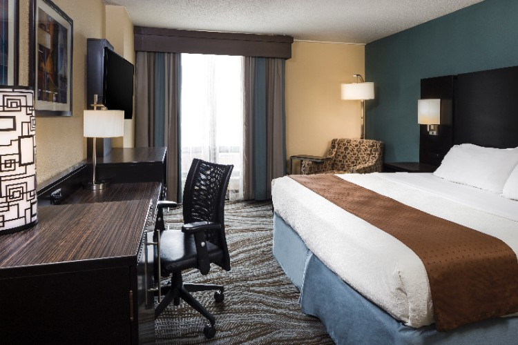 Holiday Inn Rock Island -Quad Cities -King Room 3 of 23