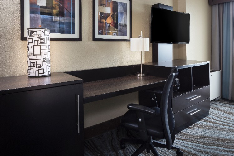 Holiday Inn Rock Island -Quad Cities -Guestroom Workstation 23 of 23