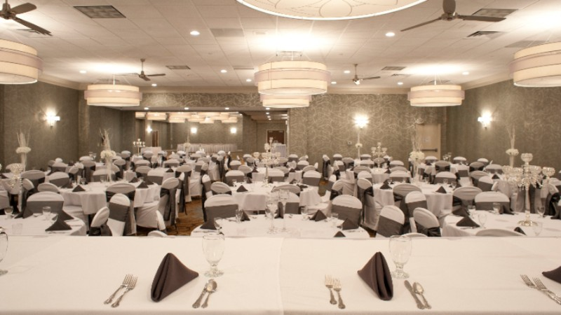 Holiday Inn Rock Island -Quad Cities -Grand Ballroom 8 of 23